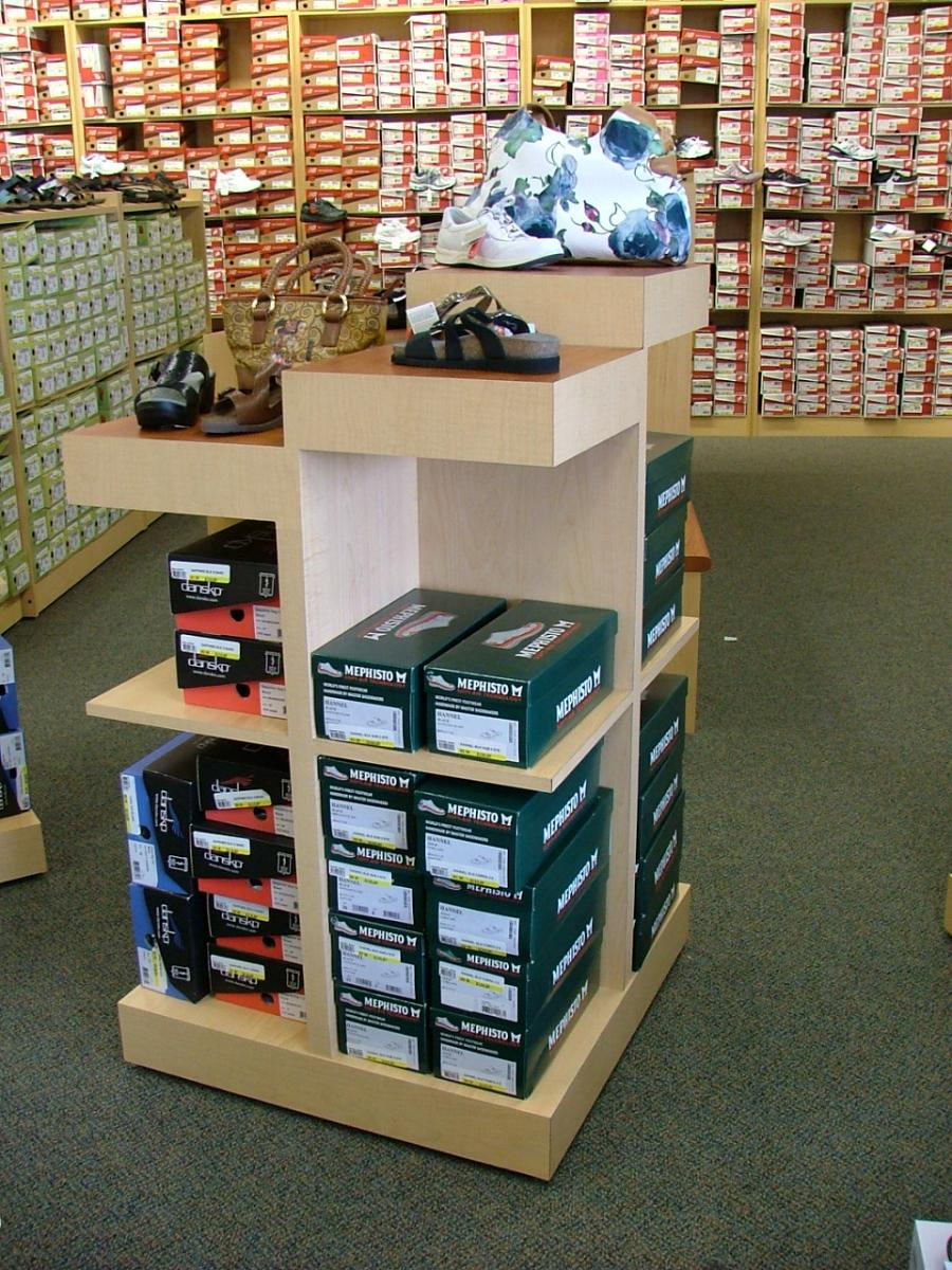 Peltz Shoes Feature Shoe Display